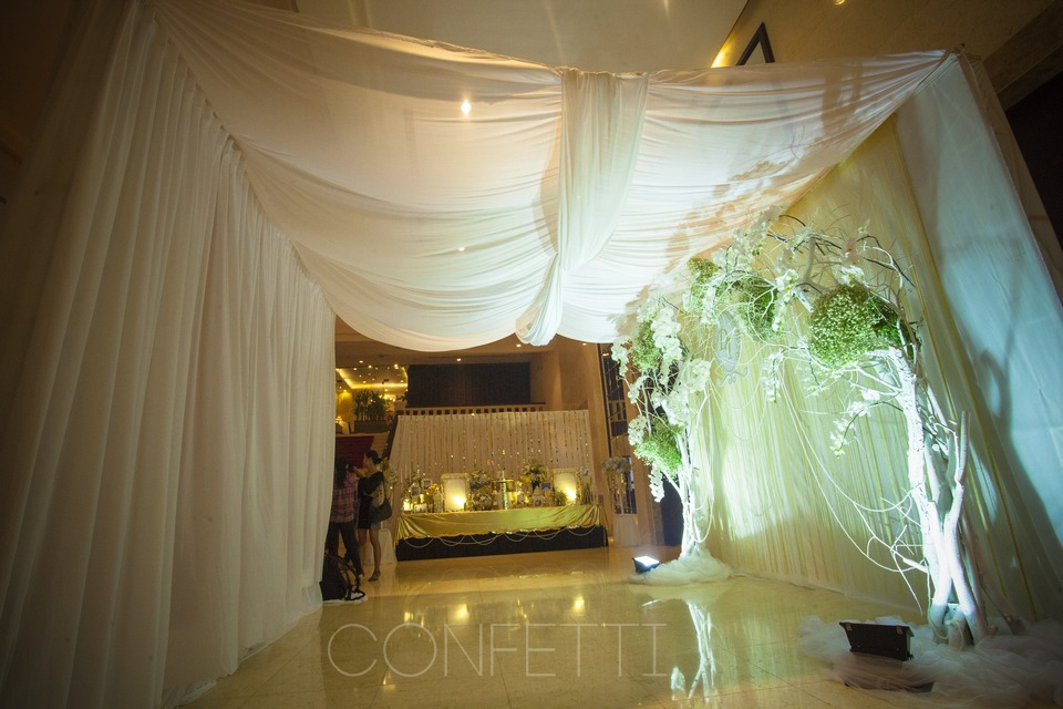 Confetti-real-wedding-Golden attachment (17)