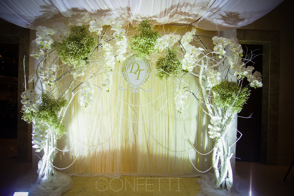Confetti-real-wedding-Golden attachment (2)