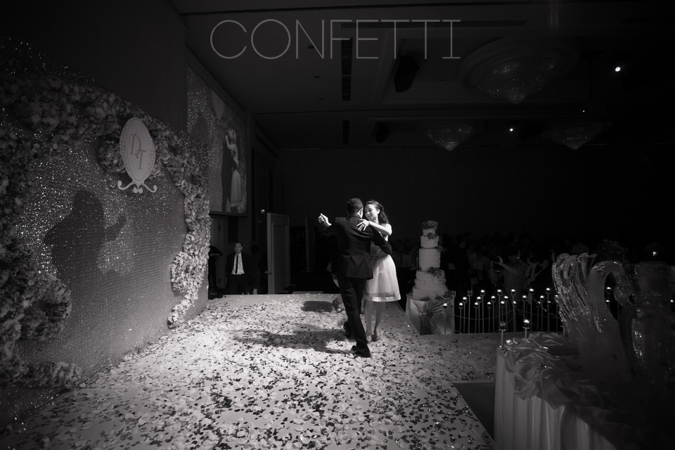 Confetti-real-wedding-Golden attachment (71)