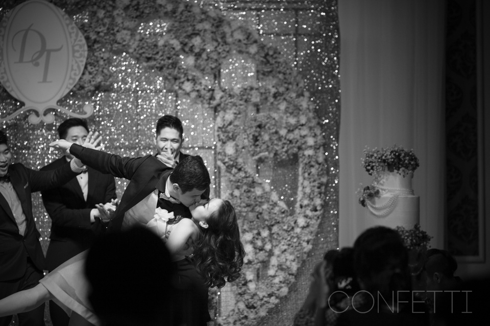 Confetti-real-wedding-Golden attachment (8)