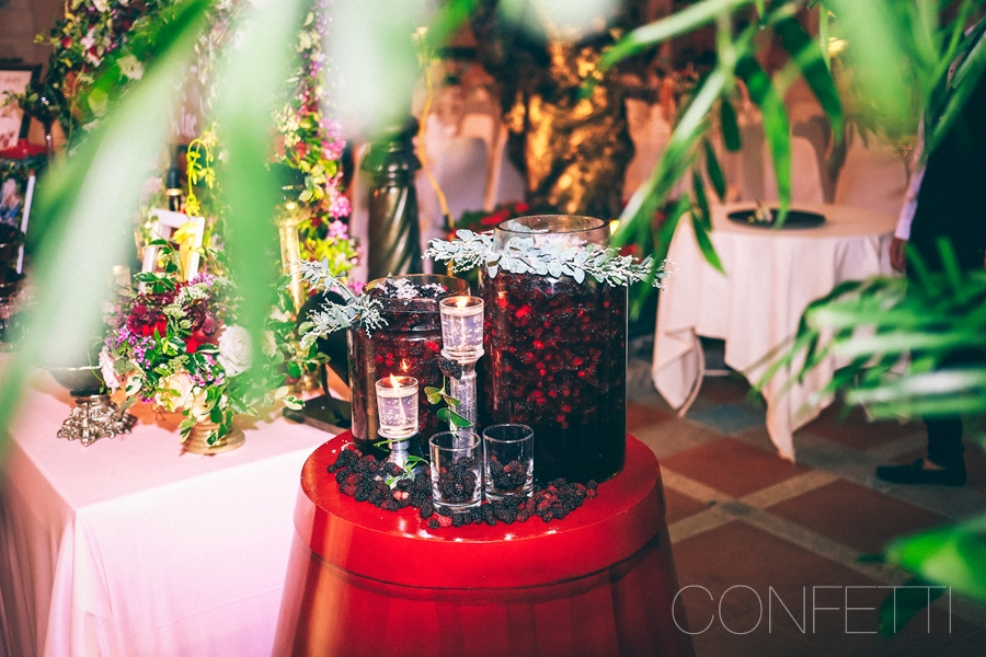 Confetti-real-wedding-Love-berry-wine-story (29)