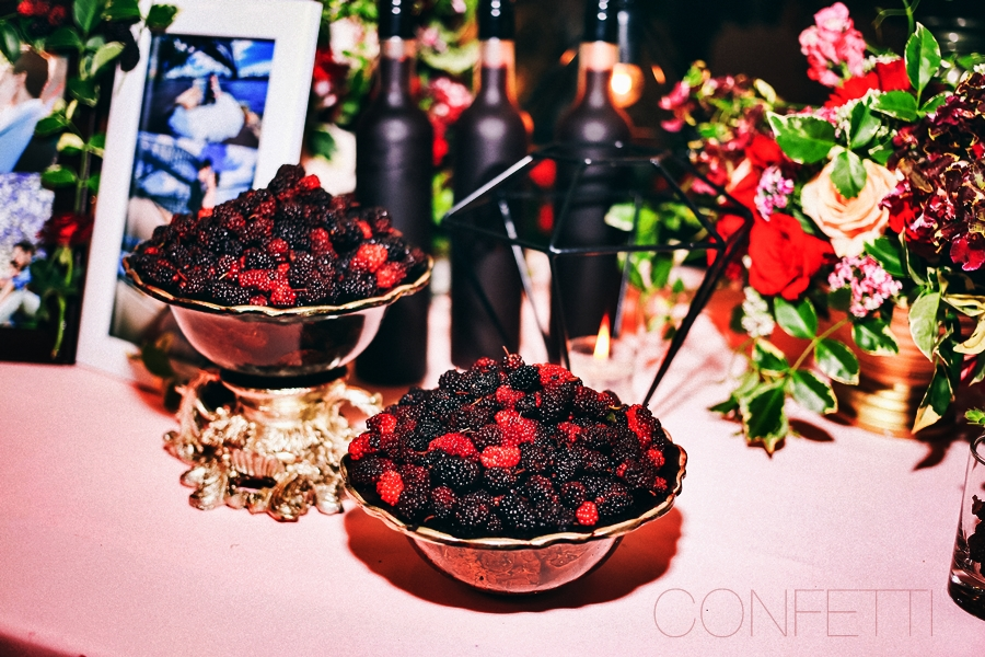 Confetti-real-wedding-Love-berry-wine-story (34)