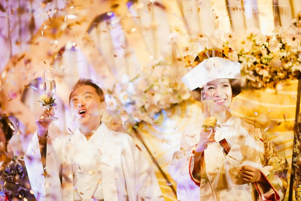 Confetti-real-wedding-May the new breeze blow (18)