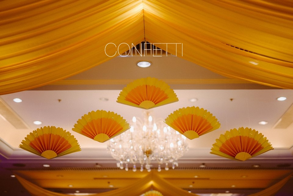 Confetti-real-wedding-May the new breeze blow (27)