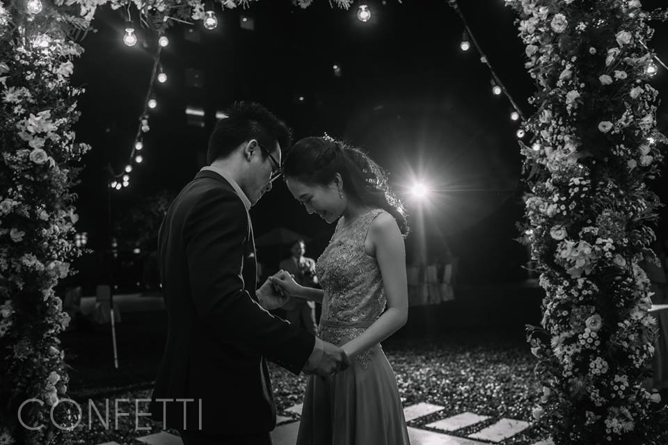 Confetti-real-wedding-A-walk-through-moments (13)