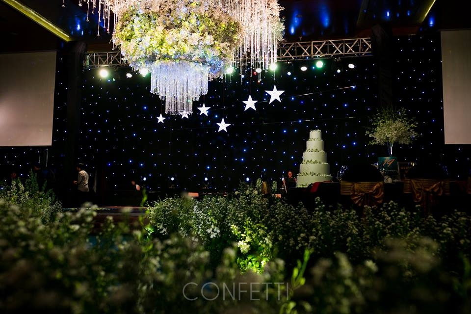 Confetti-real-wedding-StarDust (60)