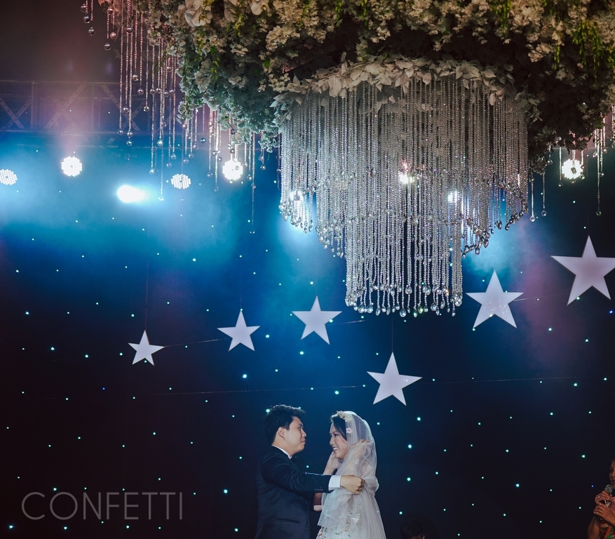 Confetti-real-wedding-StarDust (99)