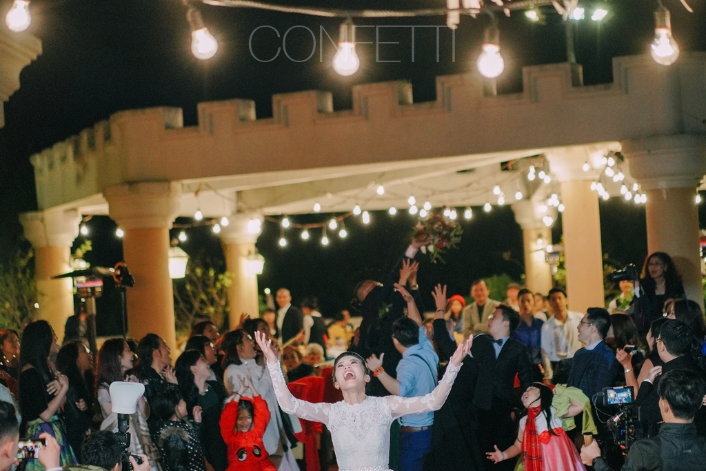 Confetti-real-wedding-Love-is-there-forever (27)
