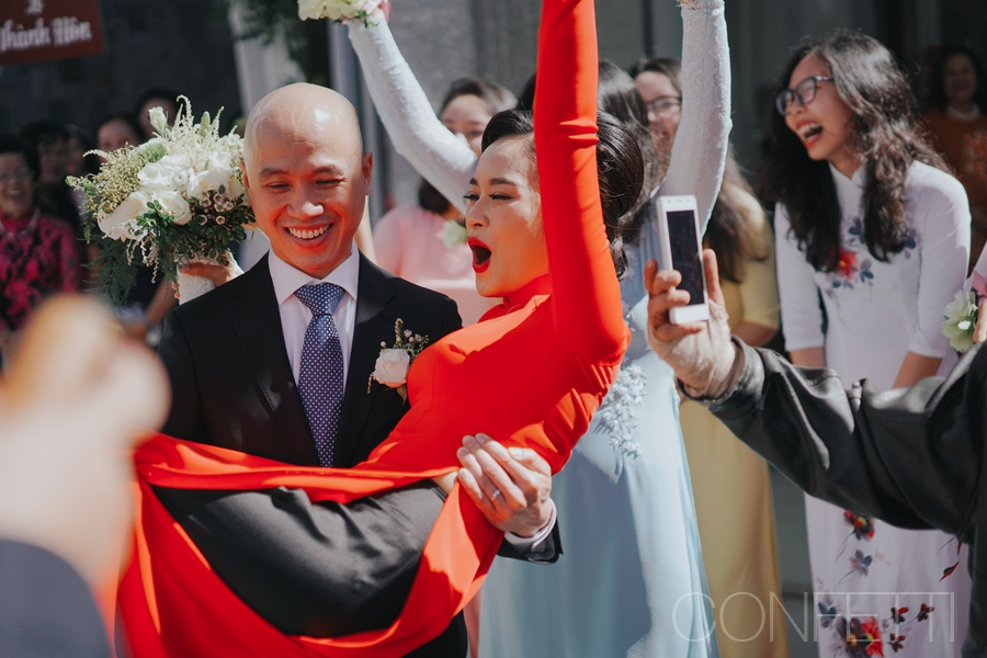Confetti-real-wedding-Love-is-there-forever-Le ruoc dau (13)